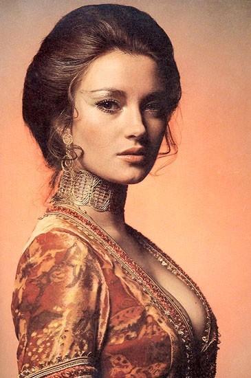 简·西摩尔 Jane Seymour 定妆照 #01