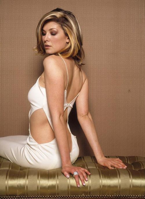 rosamund pike 美女 罗萨姆的派克图片高清图片